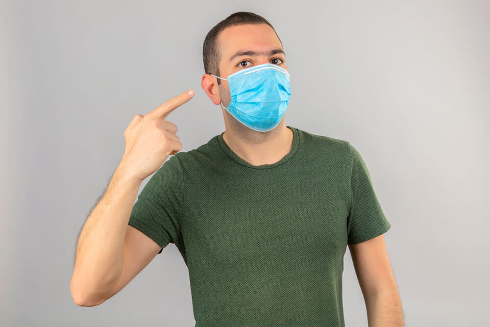 Wearing-mask-with-hearing-aid